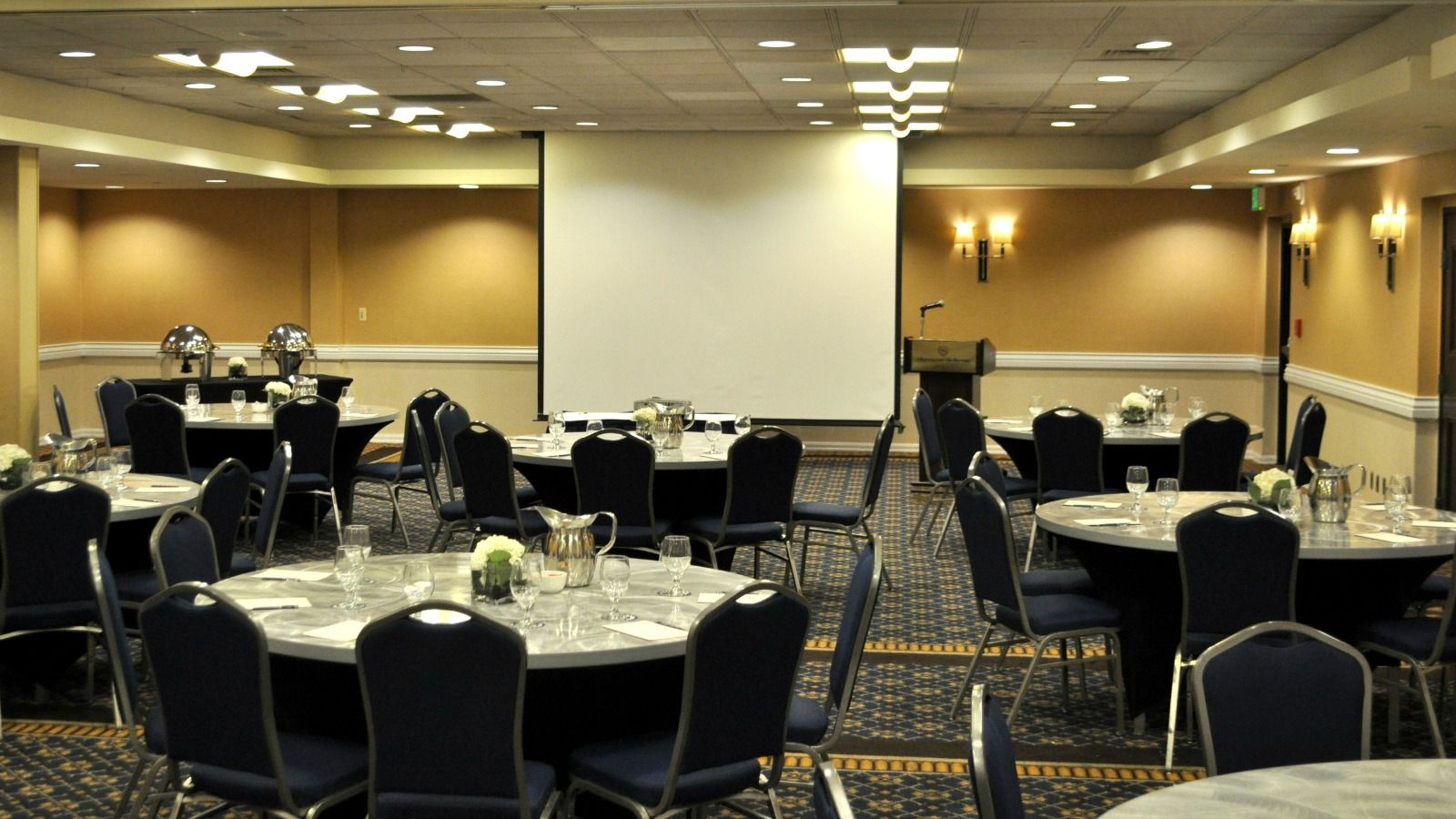 Meeting Space in Bellevue - Snoqualmie Room